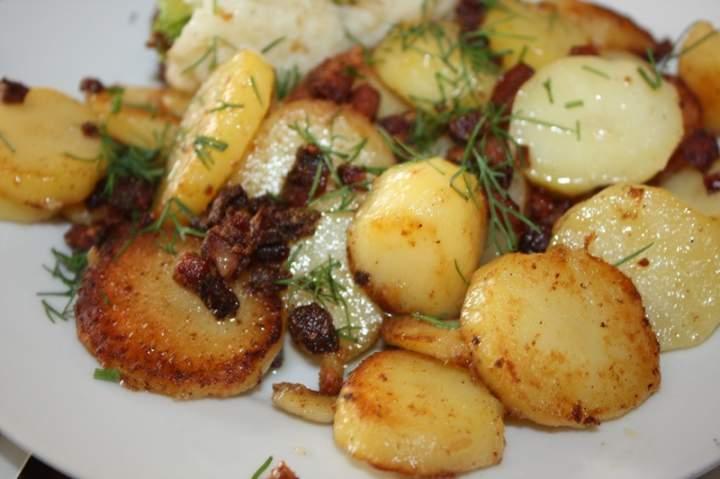 Smażonka z młodych ziemniaków