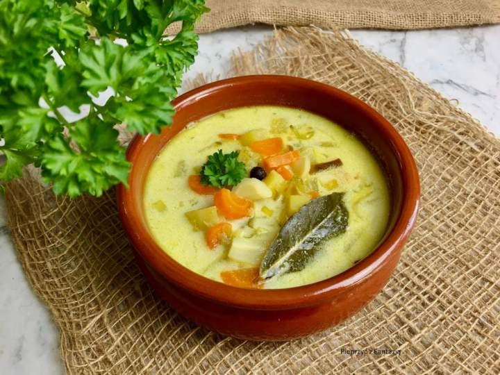 Zupa ogórkowa (ze smażonymi ogórkami)