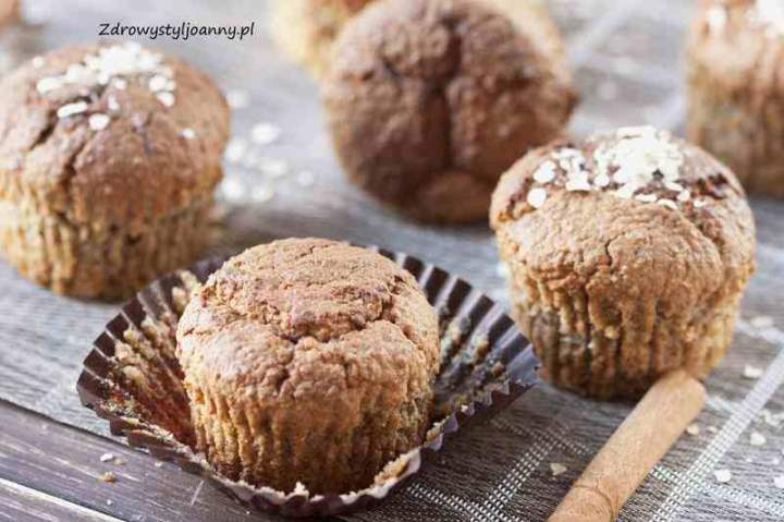 Owsiane muffinki z cynamonem.