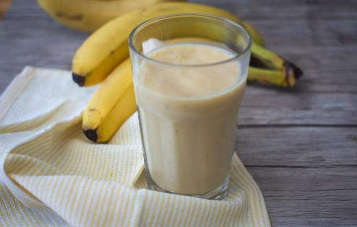 Owsianka bananowo – migdałowa.