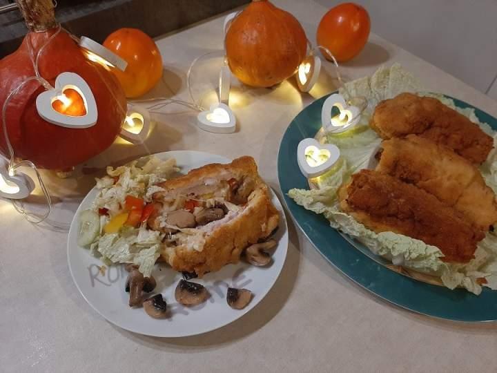 Roladki z kurczaka nadziewane serem, pieczarkami, papryką i ananasem