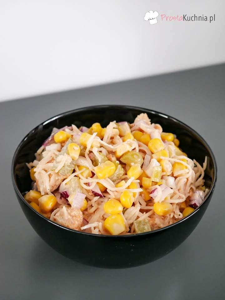 Sałatka z selera konserwowego