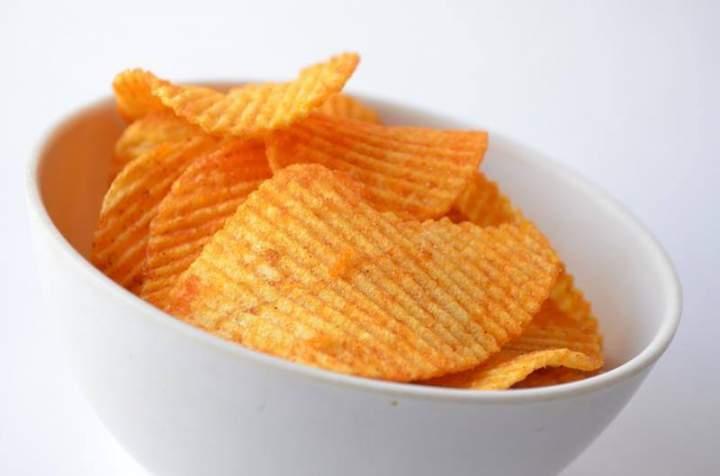 Zdrowe chipsy z batatów.
