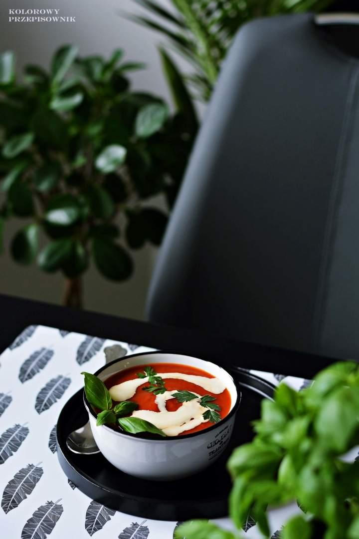 Zupa krem zpieczonych pomidorów
