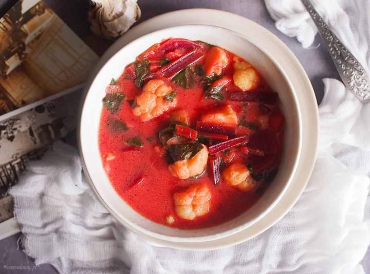 Zupa z botwinką i kalafiorem / Young beet and cauliflower soup