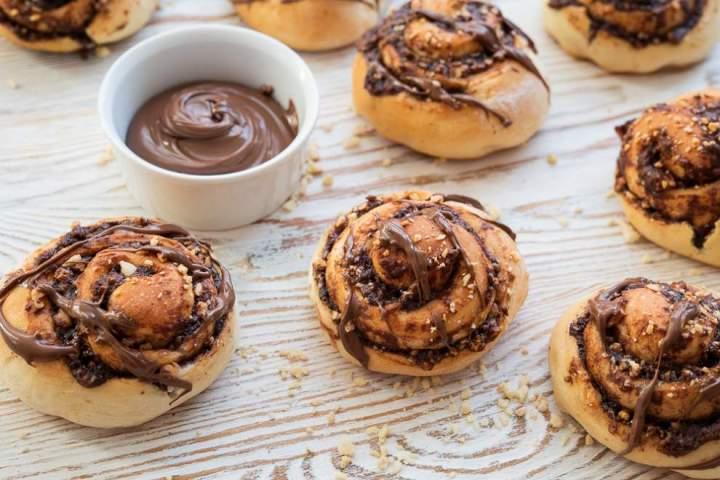 Buleczki drozdzowe z czekoladą