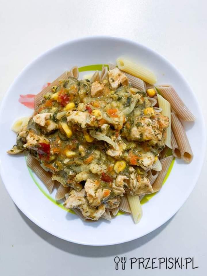 FIT Makaron z Kurczakiem i Warzywami