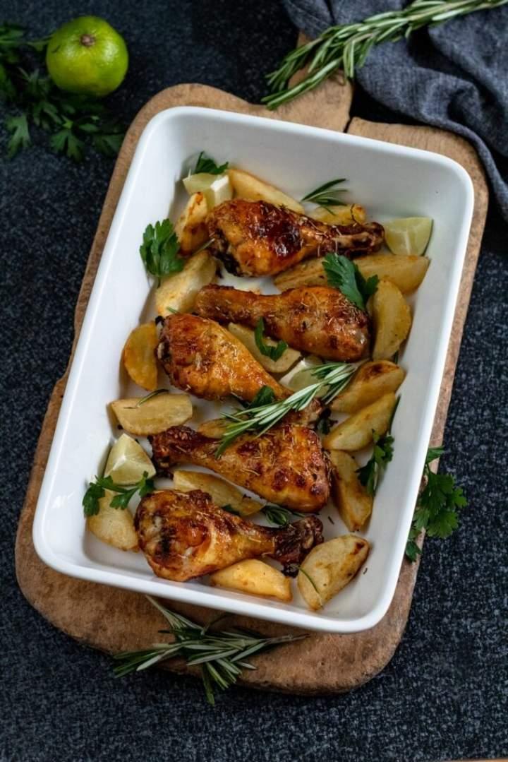 Podudzia kurczaka marynowane w maślance