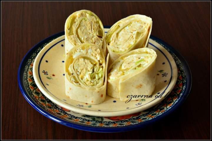 Tortille z wędzonym pstrągiem