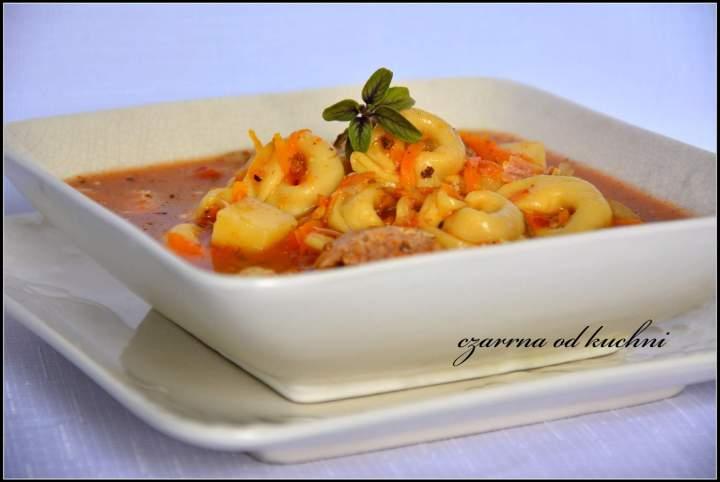 Zupa z tortellini na żeberkach