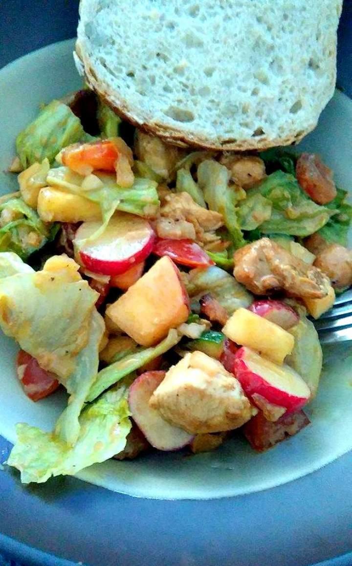 Dietetyczna sałatka z kurczaka
