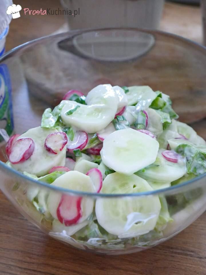 Sezonowa sałatka do obiadu