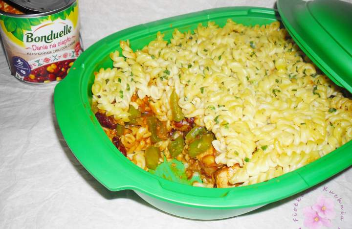 Zapiekanka z chili con carne