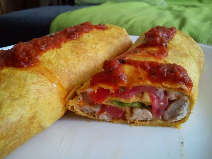 Tortilla z kurczakiem i pomidorem