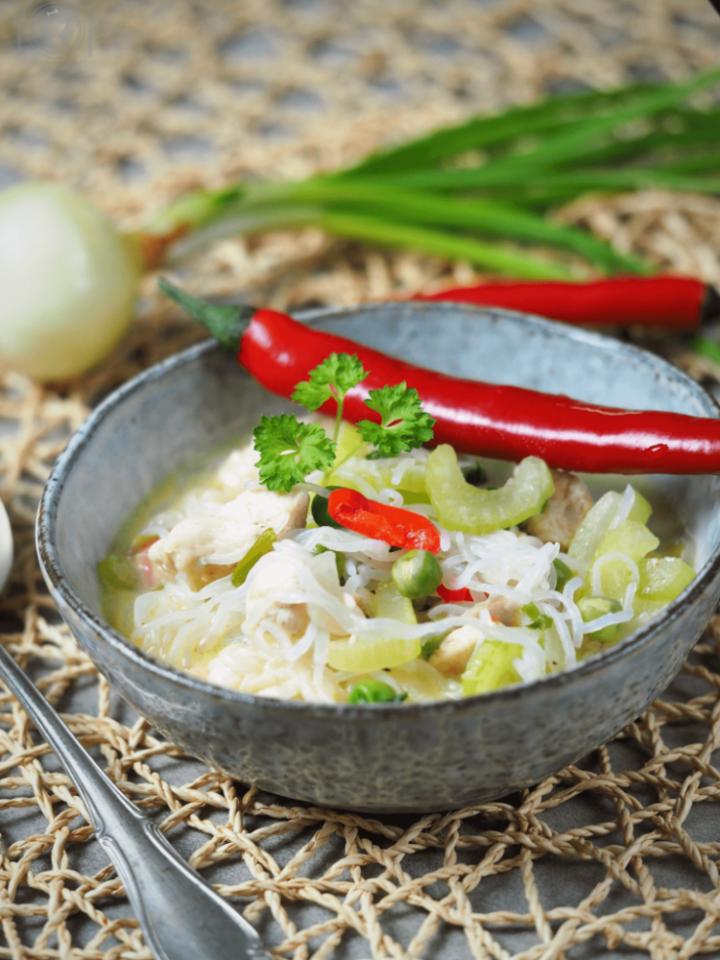 Keto zupa drobiowo- śmietanowa (Paleo, LowCarb)